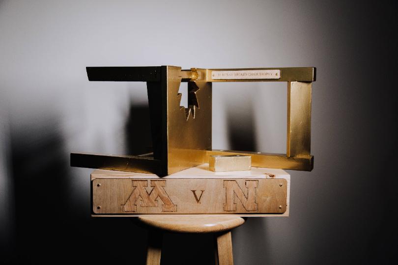 broken+chair